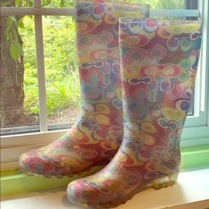 Couch rain boots